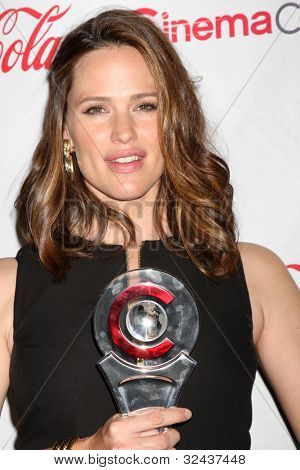 LAS VEGAS - APR 26:  Jennifer Garner arrives at the CinemaCon 2012 Talent Awards at Caesars Palace on April 26, 2012 in Las Vegas, NV