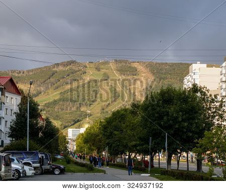 Yuzhno-sakhalinsk, Russia - August 29, 2019. View Of The Pedestrian Part Of Victory Avenue. In The B
