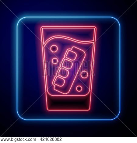 Glowing Neon False Jaw In Glass Icon Isolated On Black Background. Dental Jaw Or Dentures, False Tee