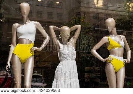 Moscow. Russia. June 15 2021. Lingerie Mannequins In A Shop Window. Sale Of Women's Clothing.