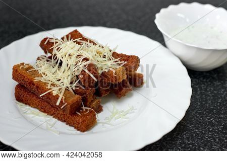 Rye Bread Croutons With Cheese, Garlic And Sauce