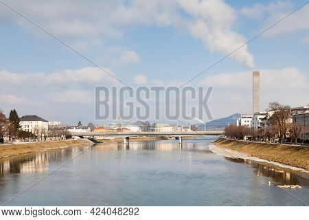 Salzburg Railway Bridge.  The View Along The Salzach River In Salzburg, Austria With The Railway Bri