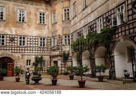 Baroque Romantic Castle Nove Mesto Nad Metuji, Renaissance Chateau, Courtyard, Wooden Lattice Overgr