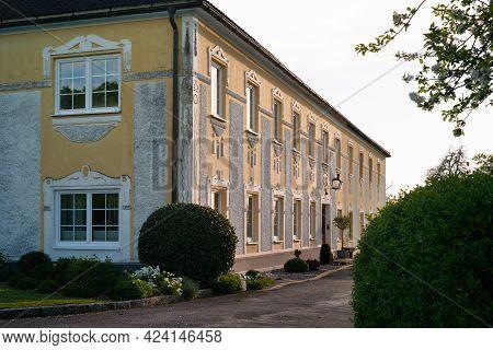 Koplarn, Austria - Ca May 2021: Vierkanter Farmhouse In The Mostviertel Or Must Quarter Region Of Lo