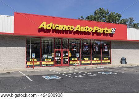 Warsaw - Circa June 2021: Advance Auto Parts Store. Advance Auto Parts Is The Largest Retailer Of Au