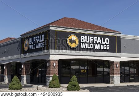 Warsaw - Circa June 2021: Buffalo Wild Wings Restaurant. Buffalo Wild Wings Is Offering Takeout And
