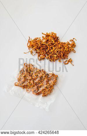 Dry Fresh Cordyceps. Treatment With Adenosine. Using Cordycepin. Militaris Mushroom. Dry Cordyceps.