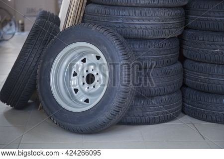 Shop For The Sale Of Tires And Wheels For The Car.tires And Wheels.