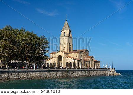 Gijon, Spain - September 28, 2019: San Pedro Church Of Gijon Located Near Of San Lorenzo Beach, Astu