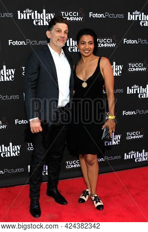 LOS ANGELES - JUN 16:  Tom Carter, Toni Ann DeNoble at The Birthday Cake LA Premiere at the Fine Arts Theater on June 16, 2021 in Beverly Hills, CA