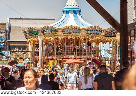 San Francisco, California, Usa - July 24, 2018: Crowd Of People At Pier 39 Carousel In San Francisco