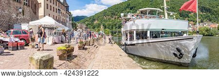 Neckargemuend, Germany - June 18, 2017: Excursion Boat At River Promenade In Neckargemünd In Souther