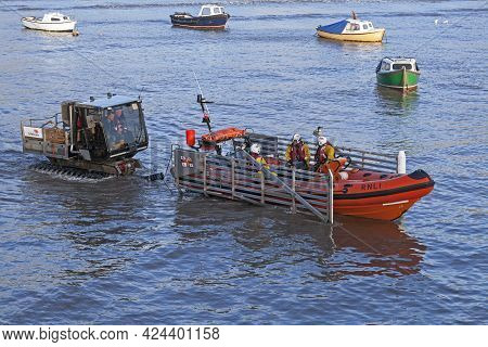 Weston-super-mare, Uk - February 1, 2015: The Atlantic 75 Class Lifeboat Coventry And Warwickshire W