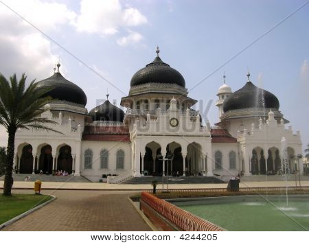 One of the main mosques in Indonesia. Banda Aceh Sumatra poster