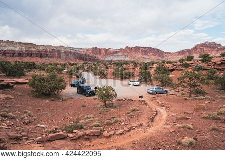 Utah, Usa - May 14, 2021: Parking Lot For The Goosenecks Point Trail In Capitol Reef National Park U