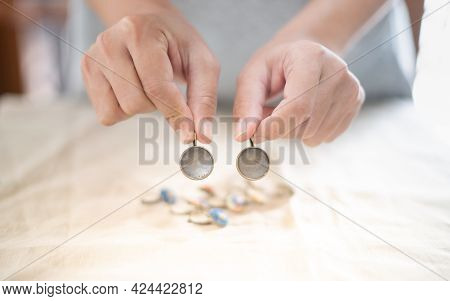 The Female Hands Holding And Choosing The Wood Plate Frame Earring For Embroidery Thread, For Handcr