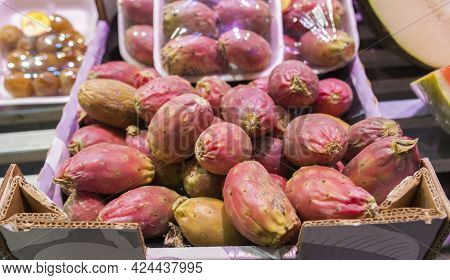 Clean Prickly Pear Or Barbary Figs. Exhibited On Cardboard Box And Packed Tray