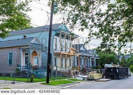 New Orleans, La - June 11: Controversial Residential Construction Near Tulane Campus In Uptown New O