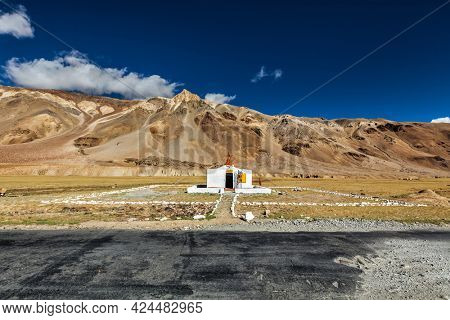 Small Hindu temple in Sarchu on Manali-Leh road. Boundary between Himachal Pradesh and Ladakh, India