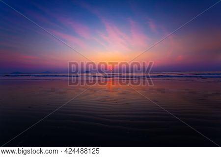 Sunset. Beautiful Sunset Baltic Sea. Painting Sea Sunset. The Sea At Sunset. Amazing Sea Sunset. Sun