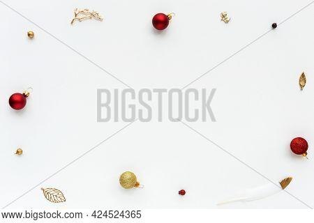 Shiny Christmas ornaments frame design