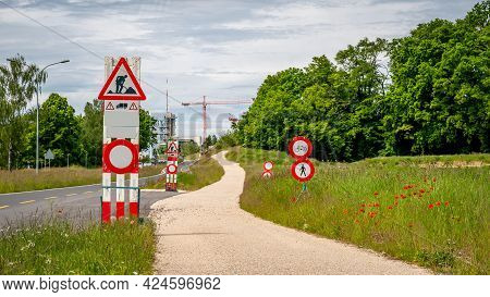 Road Work Sign Under Construction.caution And Safety Symbol. Red And White Triangle Safety Sign Besi