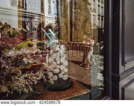 Paris, France, June 6, 2019: Close-up Photograph Of Decoration, Antique And Art Store With Dried Flo