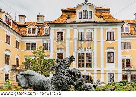 Chlum U Trebone,czech Republic - May 30,2021. Beautiful Abandoned Castle Surrounded By Large Park.po