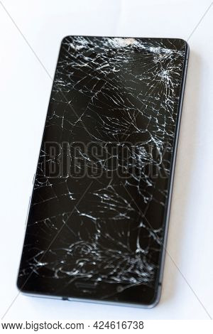 Cracked Mobile Phone Display - Numerous Cracks On The Defective Smartphone,optional Picture