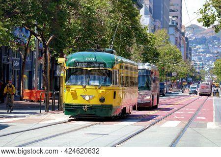 June 8, 2021 In San Francisco, Ca:  Historical Street Rail Car On Market Street Taken In Downtown Sa