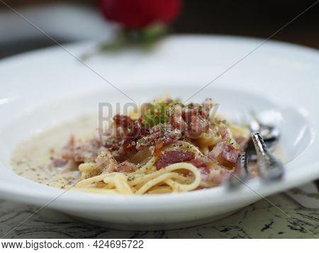 Spaghetti Carbonara With Unsmoked Bacon, Pancetta, Guanciale Heavy Cream, Spaghetti Alla Carbonara F