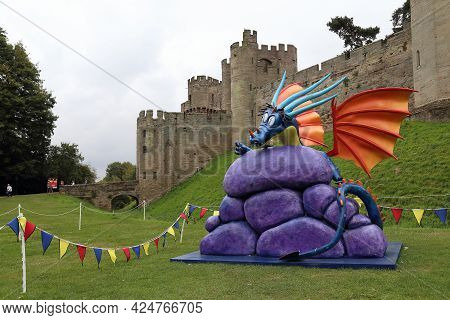 Warwik, Great Britain - September 15, 2014: This Is A Fabulous Dragon At The Walls Of The Medieval W