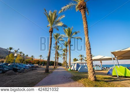 Kineret-israel. 18-06-2021. Tents Of Hikers On The Shores Of The Sea Of Galilee At Sunrise, On Korsi