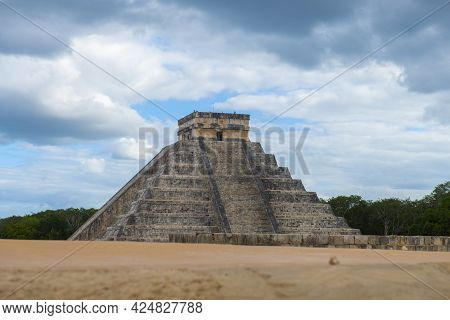 Temple Of Kukulcan El Castillo At The Center Of Chichen Itza Archaeological Site In Yucatan, Mexico.