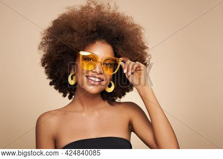 Beauty Portrait Of African American Girl In Sunglasses. Beautiful Black Woman. Cosmetics, Makeup And