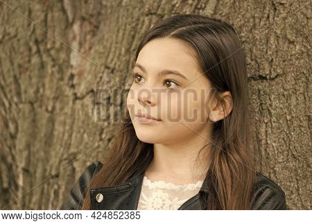 Hipster Girl Relaxing Park Tree Trunk Crust Background, Thoughtful Child Concept