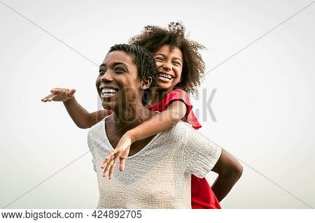 Happy African Family On The Beach During Summer Holidays - Afro People Having Fun On Vacation Time -