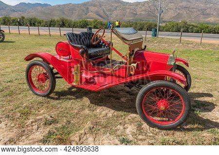 Villiersdorp, South Africa - April 12, 2021: Side View Of A Ford Model-t Torpedo Roadster Vintage Ca