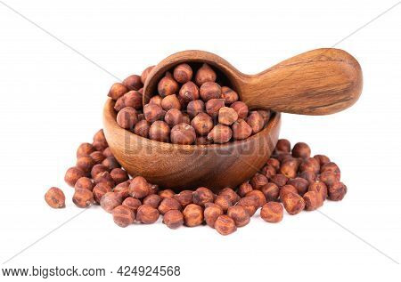 Pile Of Brown Chickpeas In Wooden Bowl And Spoon, Isolated On White Background. Brown Chickpea. Garb