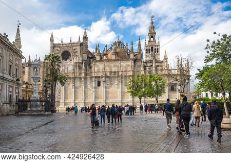Seville, Spain - 06 April, 2019: The Cathedral Of Saint Mary Of The See, Better Known As Seville Cat