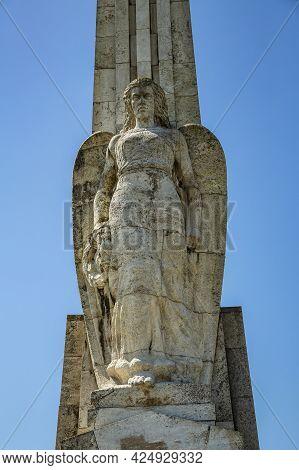 Alba Iulia, Alba, Romania -  May 11, 2021:  Obelisk Of Horea, Closca And Crisan In Alba Iulia, Trans