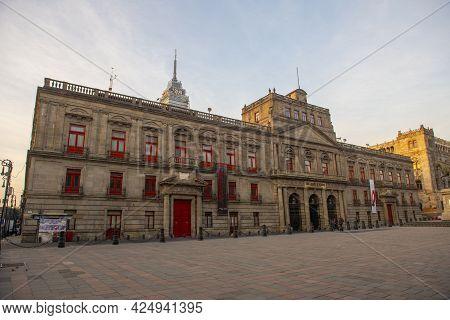 Mexico City - Jan. 15, 2020: Palacio De Mineria And Museo Manuel Tolsa On Calle De Tacuba In Histori