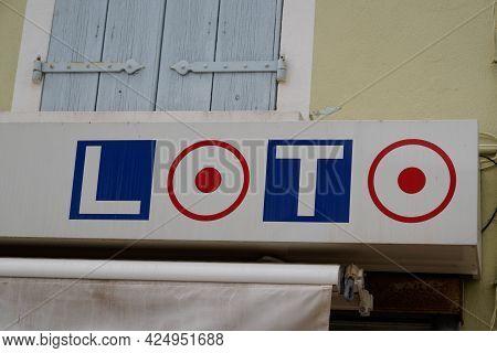 Sète , Ocitanie France  - 06 25 2021 : Fdj Loto Text Logo Brand La Francaise Des Jeux Loto Advertisi