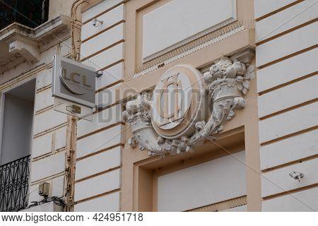 Sète , Ocitanie France  - 06 25 2021 : Lcl Sign Logo And Text Brand Le Credit Lyonnais French Bank O