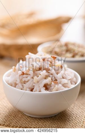 Organic Thai Highland Cooked  Brown Rice In A Bowl (cargo Rice, Loonzain Rice Or Husked Rice), Healt