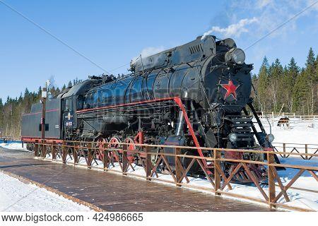 Ruskeala, Russia - March 10, 2021: Soviet Mainline Freight Steam Locomotive Lv-0522 At The Platform
