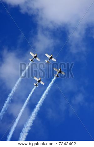 Four Airplanes Fly In The Sky, Cloudscape