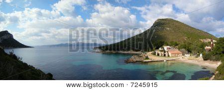 Cala Moresca Bay
