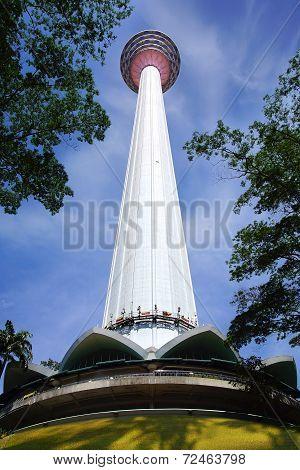 Kuala Lumpur Tower (menara).