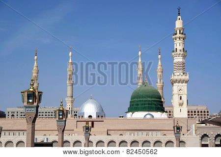 Masjid Al Nabawi or Nabawi Mosque (Mosque of the Prophet) in Medina (City of Lights) Saudi Arabia. Nabawi mosque is Islam's second holiest mosque after Haram Mosque (in Mecca Saudi Arabia). poster